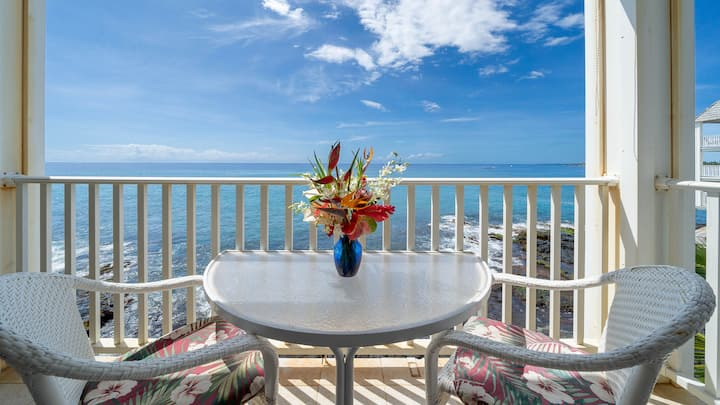 Hale Kona Kai 303 Must-See Renovated Oceanfront