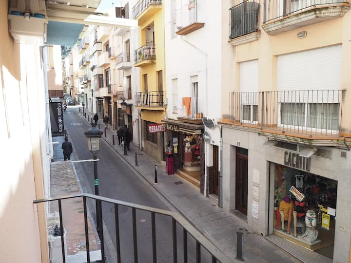 Modern apartment in the center of Blanes for four people