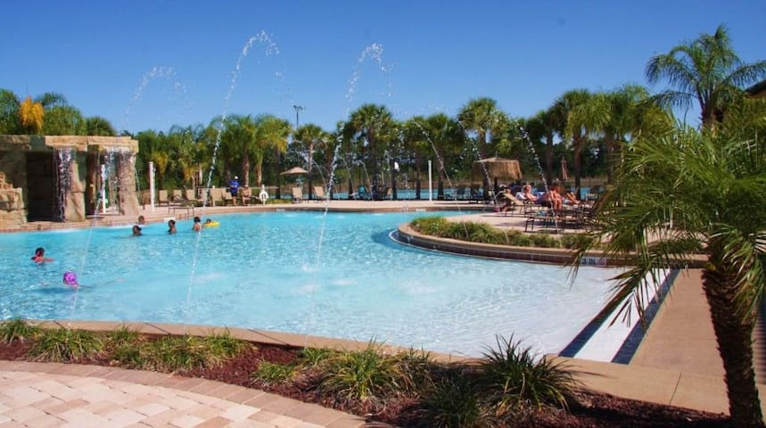 Club house great amenities 10 minutes from Disney