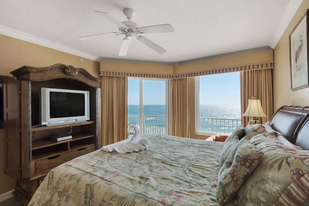 Imagine waking up each morning in this master bedroom!