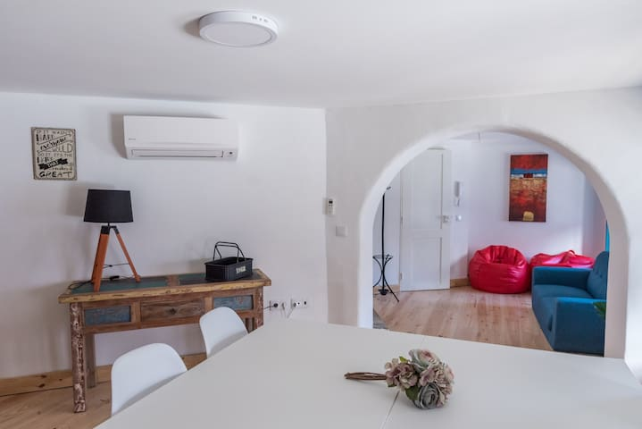 Sunny 3 bedroom apartment @historic center