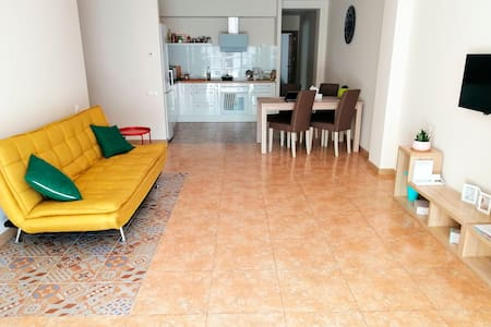 Large bright apartment with a cozy terrace. Wi-Fi