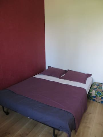 Quiet, nice room close to city centre! - Gent - Appartement