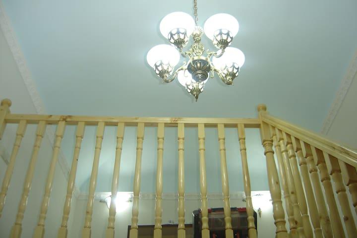 Второй уровень в спальне