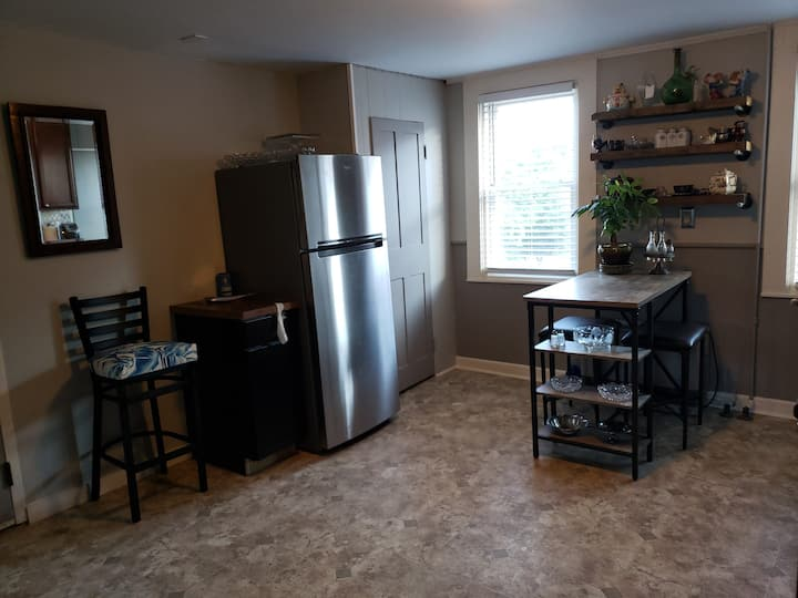 Great 1 bedroom apartment Burlington/Winooski