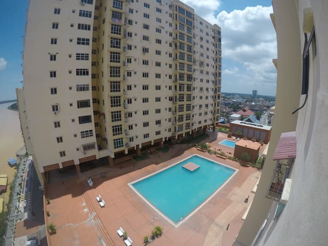 Orkid 4 Bedroom @ Condo Pelangi Mall