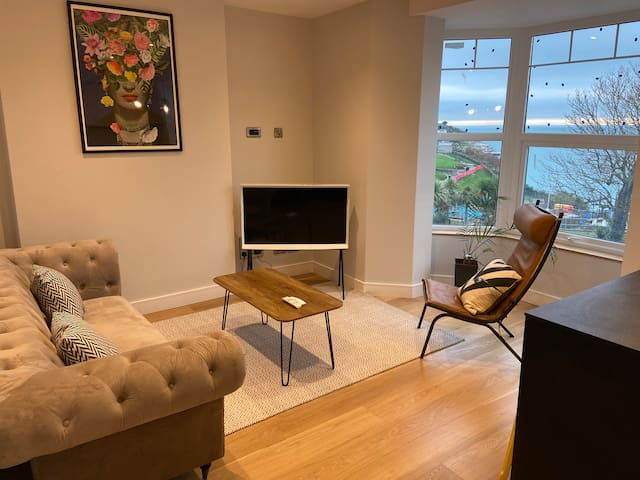 Spacious and stylish 1 bedroom apartment