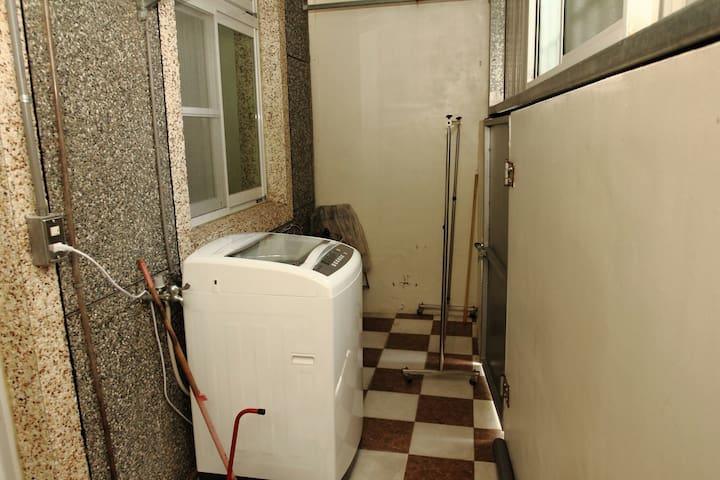 一樓套房,陽台專屬的洗衣機