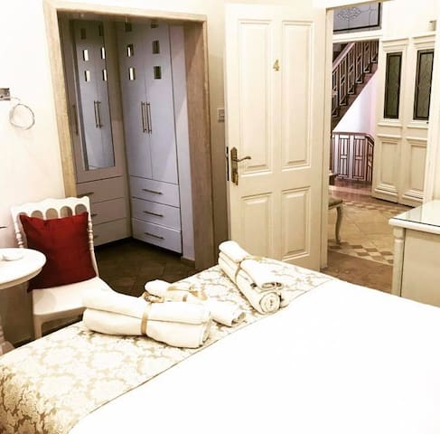 Standard Double Room (204)