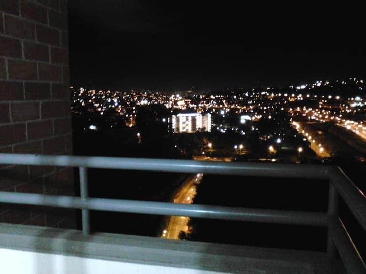 Apartamento - Bello junto a la estación del metro