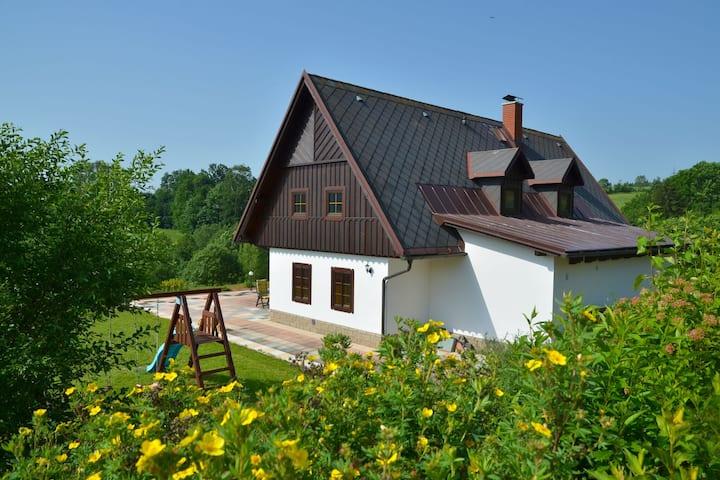 Moderno cottage vicino alle piste a Stupna, Repubblica Ceca