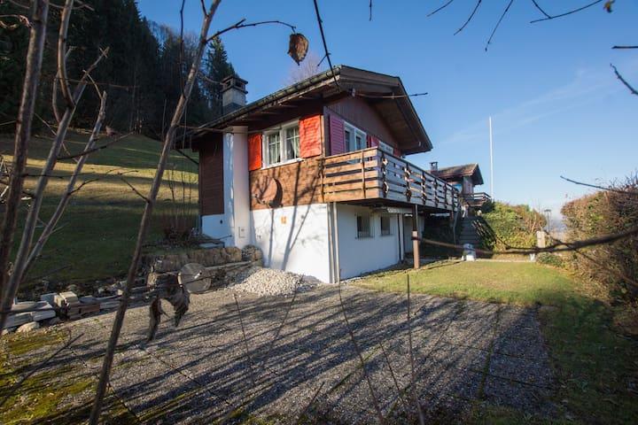 romantisches 2-Zi Ferienhaus oberhalb Ebnat-Kappel - Ebnat-Kappel - Dom