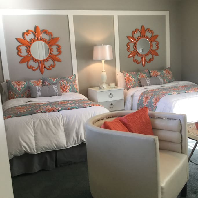 Two full beds.  Accommodates two to four people. 350 per night for two people and $25 for each additional person.