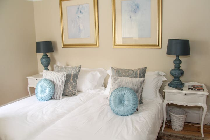 Ashby Manor Guest House - Standard Twin Room