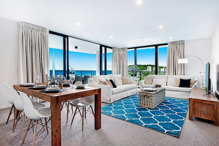 Brand New Luxury Semi-Hamptons  Unit in Burleigh