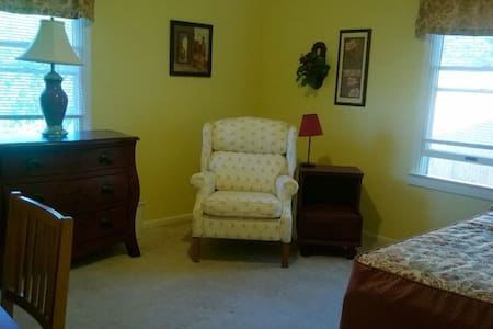 Master Suite Living Area - Swannanoa - House