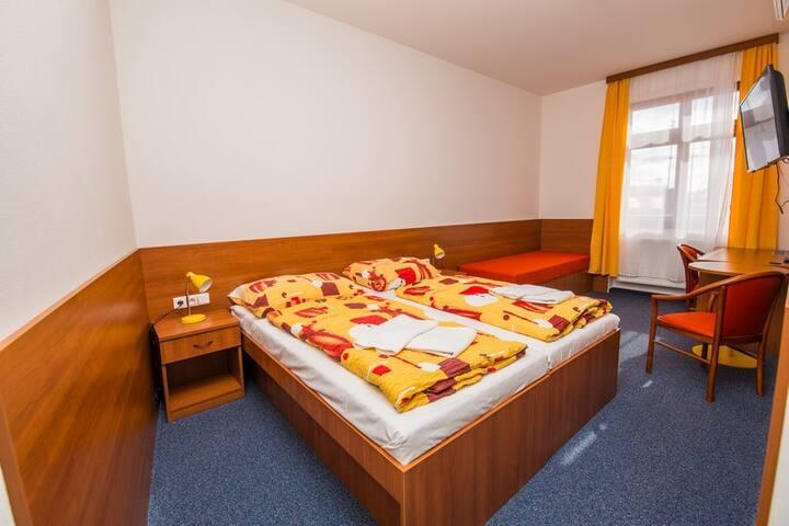 Pokoj ve Znojmě pro 2 osoby s klimatizací