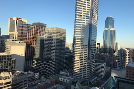 Dual private room in CBD (Lonsdale street)