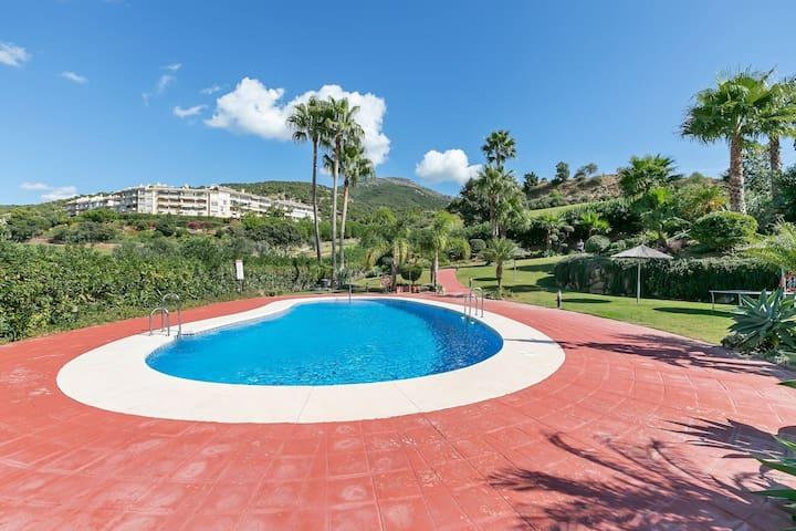 Moderna villa en Alhaurín el Grande con piscina