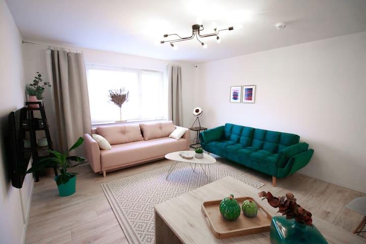 Moderne Wohnung mit neuem Bad und Balkon