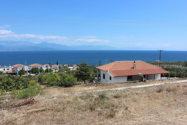 Villa with astonishing panoramic seaview - Messinia