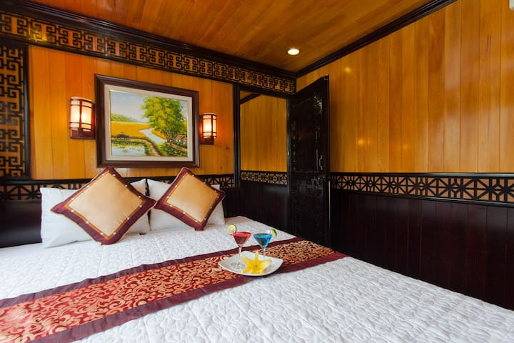 The Viet Beauty Cruises  - Thành phố Hạ Long - Tekne