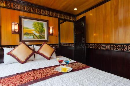The Viet Beauty Cruises  - Thành phố Hạ Long - Boot