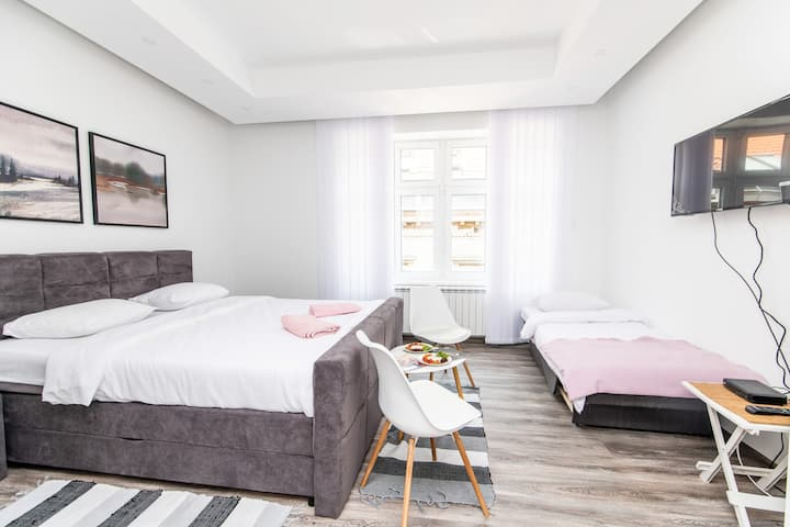 Modern and bright studio in main Pedestrian zone