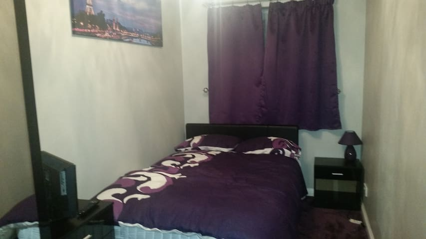 Lovely double bedroom - Erith