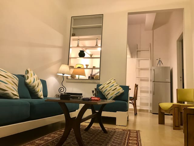 cosy flat perfect for couples, Mar Mikhael