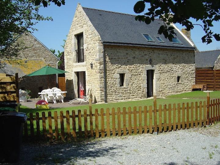 Maison Bretonne isolée avec jardin