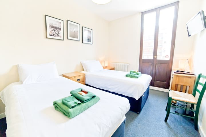 Le Vert Hotel — Value Twin Room