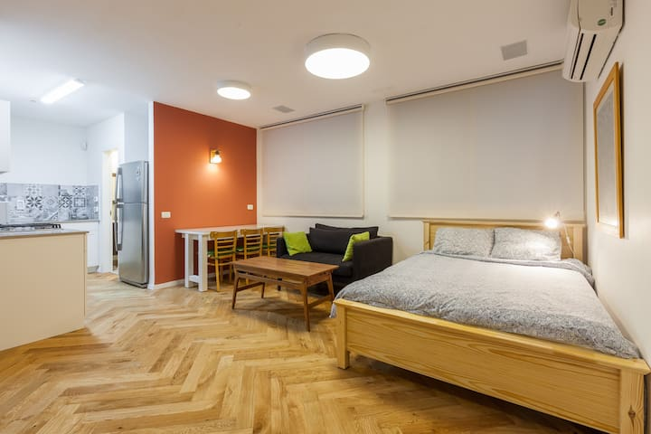 Homey and equipped renovated studio - Kefar Sava - Departamento
