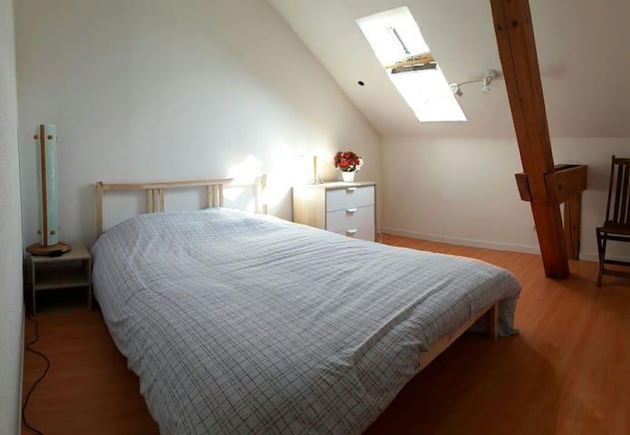 Chambre 2 avec lit 140