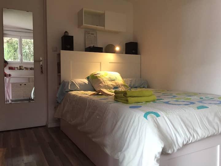 Chambre avec Salle de Bain + WC -accès indépendant