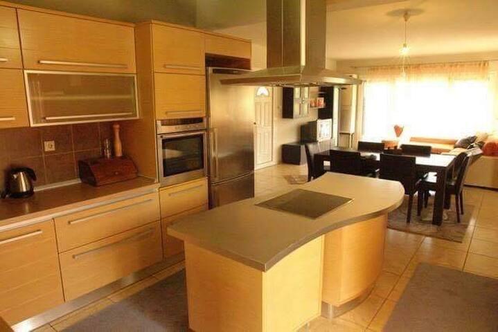 Chris'Apartments - Luxury Apartment Limenas