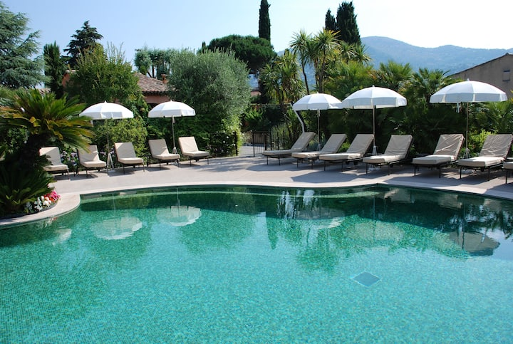 Villa indépendante jardin privé et piscine-lagon