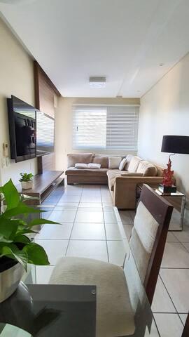 Suíte em apartamento próximo ao Shopping Beira-Mar