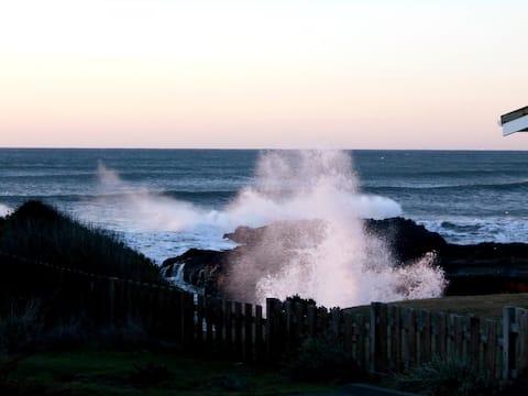 Sunnier times at Wheelhouse-Oceanview,fenced yard.