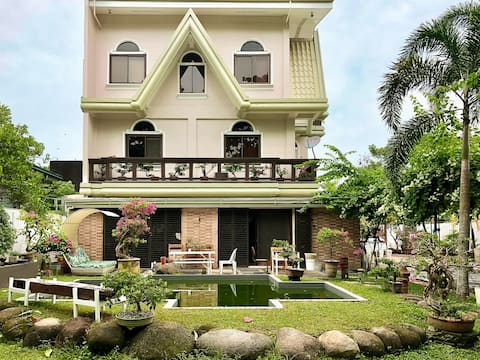 GuestHouse: Spacious & Stylish Home in Daet