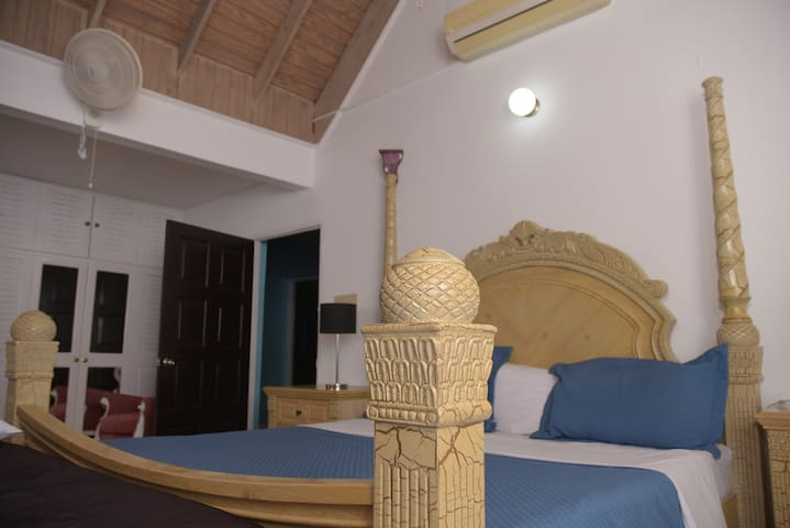 Princess Sunbird Room-Suite-Luxury-Ensuite with Jet bath-Ocean View