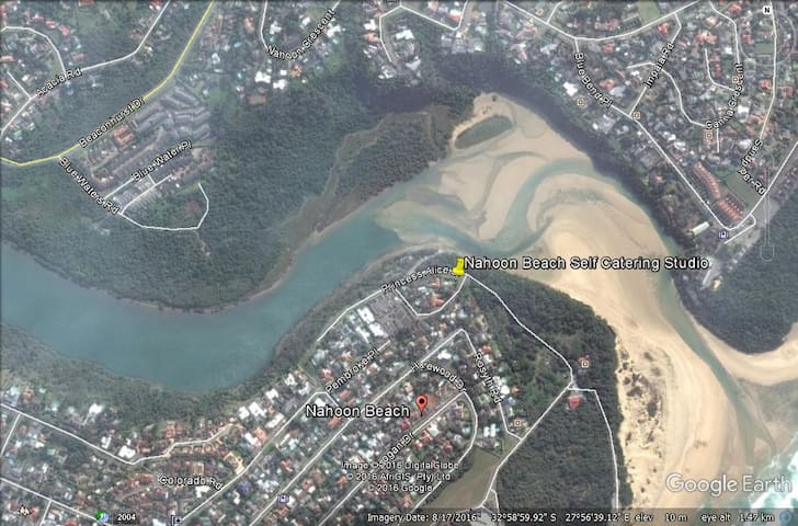 Walking distance to Nahoon River and Beach