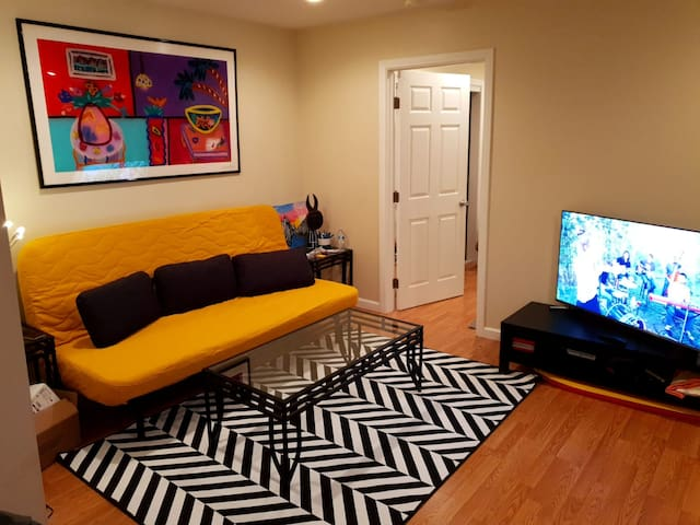 Amazing Room in Pacific beach! + Best location