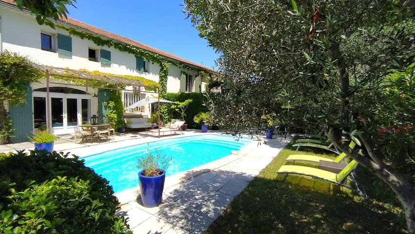 old Manor with pool in Provence(OL)