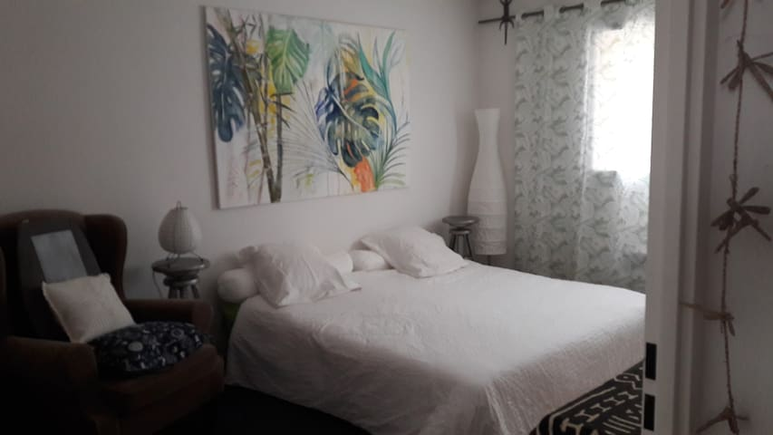 Toulouse /Garidech ,chambre avec terrasse au calme