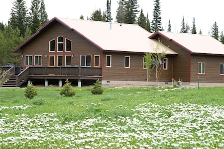 Elk Crossing Vacation House - West Yellowstone - Ev
