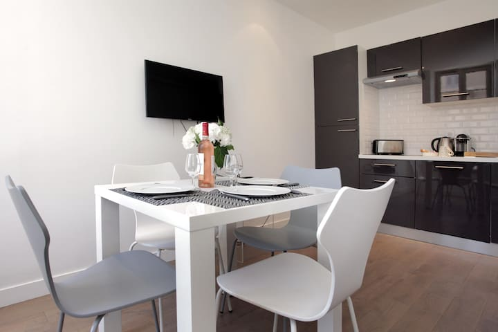 studio close to the Palais des Festivals