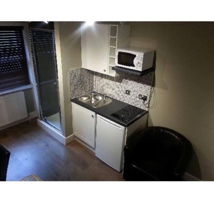 """Studio flat in Bayswater"""
