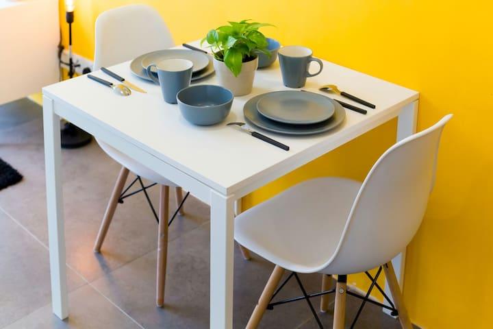 *YELLOW MUSTARD STUDIO* @ IKEA - Петалинг-Джая - Квартира