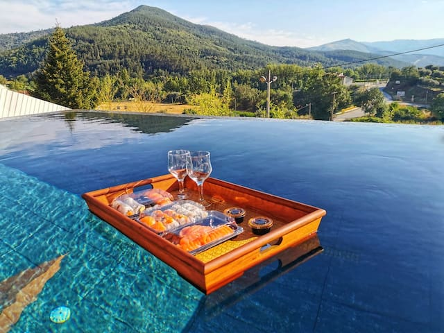 *Infinity Pool Villa* Serra da Estrela *12 Guests*